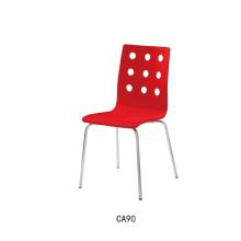 Chaises en bois courbé rouge de haute qualité
