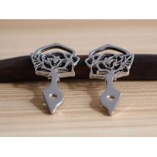 Conception d'arbre en alliage de zinc matériau étiquette en métal de mode pour vêtements
