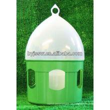 bebedores automáticos de água com pombo