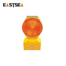 Alibaba Export Company Luces de calle solares de la barricada plástica LED del policarbonato amarillo y rojo