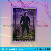 An der Wand befestigter LED-dünner Plakat-Lichtkasten-Rahmen