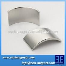 Acier de néodyme à arc permanent avec aimant de haute qualité / n35-n52 segment pour turbine