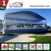 Tente pour événements sportifs à deux étages avec toit en voûte et murs en dôme pour événements de golf