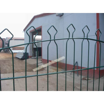 Pyramid Fence