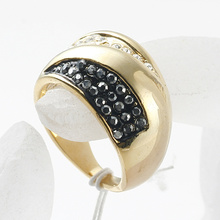 New Design Gold Plated Gorgeous Alloy Ring Fashion Wedding Rings For Women