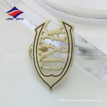 Única alta pulido de oro de ropa hueca solapa pin