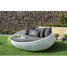 Amazing Design Synthetic Poly Rattan Round Sun Lounger para jardim ao ar livre Beach Pool Resort Wicker Furniture