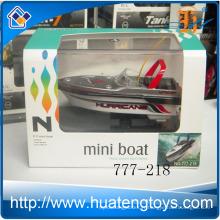 Le plus récent 4ch Radio Remote Control Mini Rc bateau modèle 4colors bateau de course 777-218