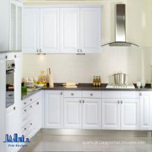 Gabinetes de cozinha de bancada escura de leite branco