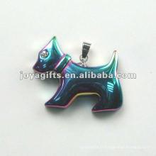 Rainbow Hematite Dog forme des pendentifs avec diamants et Silver Finding