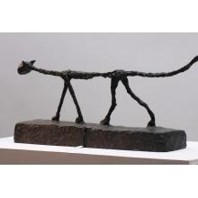 escultura de gato giacometti