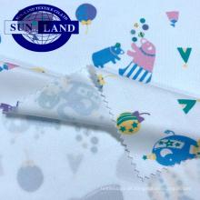 100% Polyester-Strickstoff mit weißer Farbe und trockenem Fit