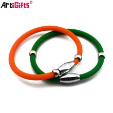 approvisionnement en usine bon marché en acier inoxydable bracelet en silicone avec fermoir en métal