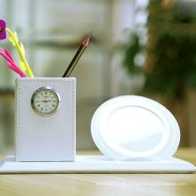 3 in 1 Office Home Organizer Runde Kosmetikstift Bleistift Topf Make-up Pinsel Container mit Timer Wecker mit Qi Quick Charging Wireless Ladegerät