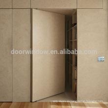 Puerta invisible de estilo francés en madera de roble con diseño de puerta invisible y bisagra de cuero