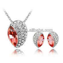 Boucles d'oreilles en pierres semi-précieuses ensemble en or blanc ensemble de collier en cristal rubis