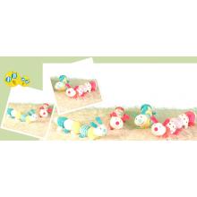 Meninas brinquedos de pelúcia lagarta