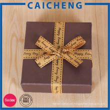 Caja de regalo de papel de encargo de precio barato o caja de embalaje