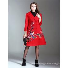 Otoño de lujo 2017 Mujer Alibaba Red Emboidered Trench Coat y chaquetas