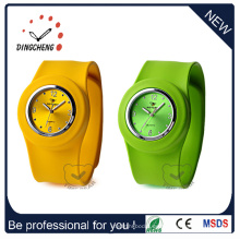 Promoción de la manera del deporte barato señoras pulsera Slap reloj de silicona (DC-101)