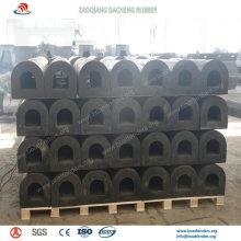 Les amortisseurs en caoutchouc de défenses en caoutchouc de marine sont très utilisés sur le port maritime