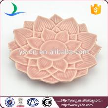 Vente en gros de plat en céramique rose avec design de fleurs