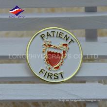Personalizado de esmalte de hospital buen servicio paciente primera insignia