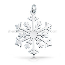 Alto acabado pulido de copo de nieve colgante regalo de Navidad encanto