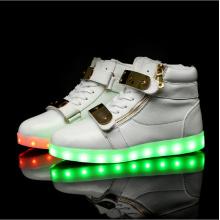 Große glänzende Haut LED Schuhe Größe Spitze Stiefel