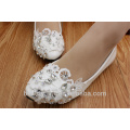 Une nouvelle version sud-coréenne d'une chaussure de mariage faite à la main avec une nouvelle version sud-coréenne d'une robe de mariée SHOES WS021
