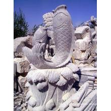 Belle sculpture en pierre de poisson