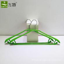 Kleiderbügel aus PVC-beschichtetem Metall