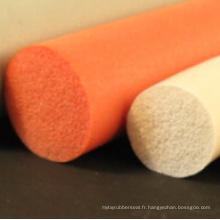 Bande d'éponge en caoutchouc colorée flexible adaptée aux besoins du client de silicone