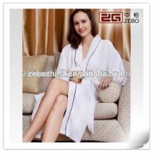 Tissu 100% coton-gaufre avec broderie Logo Hôtel pas cher Bathrobe