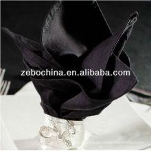 La fábrica directa del diseño vendedor caliente hizo la servilleta negra del algodón del hotel al por mayor de lujo