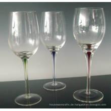 Stem Weinglas mit infundierten Farbe