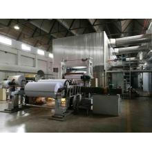Инженеры, доступные для обслуживания машины для производства туалетной бумаги