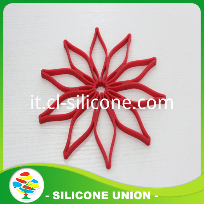 Red hollow silicone coaste