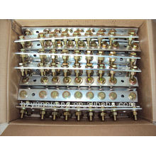 o dispositivo elétrico exterior de cobre parte o conector elétrico dos acessórios de cobre da transformação de poder da distribuição