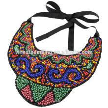 Handmade colares de contas para as mulheres