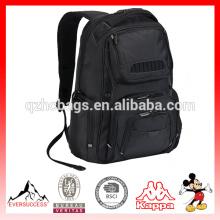 La mochila se adapta a la computadora portátil de hasta 16 pulgadas con correa para el hombro