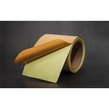 Selbstklebendes Kraftpapier mit gelbem Trennpapier