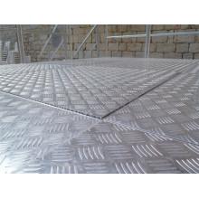 Panneaux antidérapants en aluminium à facettes personnalisés en paroi pour sol