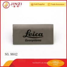 Etiquetas engomadas nobles del metal del diseñador de la venta caliente para los bolsos