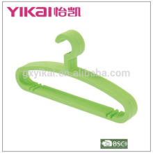 Shenzhen good quality and cheap plastic clothes hangers rack