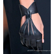 Robe de mode pour dames, gants en cuir de sexe court