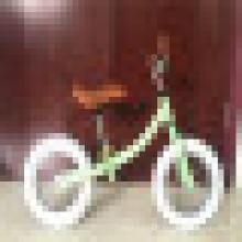 Vélo de 12 pouces Balance Bike vélo Walker enfants Kids Bike avec le certificat de