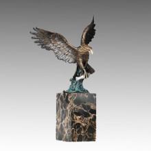 Статуэтка бронзовая скульптура орла с резьбой по дереву Tpal-290