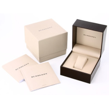 Boîte à carton en carton avec oreiller