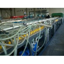 De Bonne Qualité Machines en plastique d'extrusion de plat de construction de WPC (chaîne de production, faisant des machines)